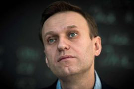 Russian authorities threaten to imprison Navalny if he does not come to Russia by Tuesday morning