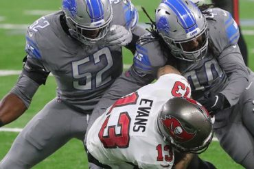 The Detroit Lions relinquished Jayron Kearse after violating team rules