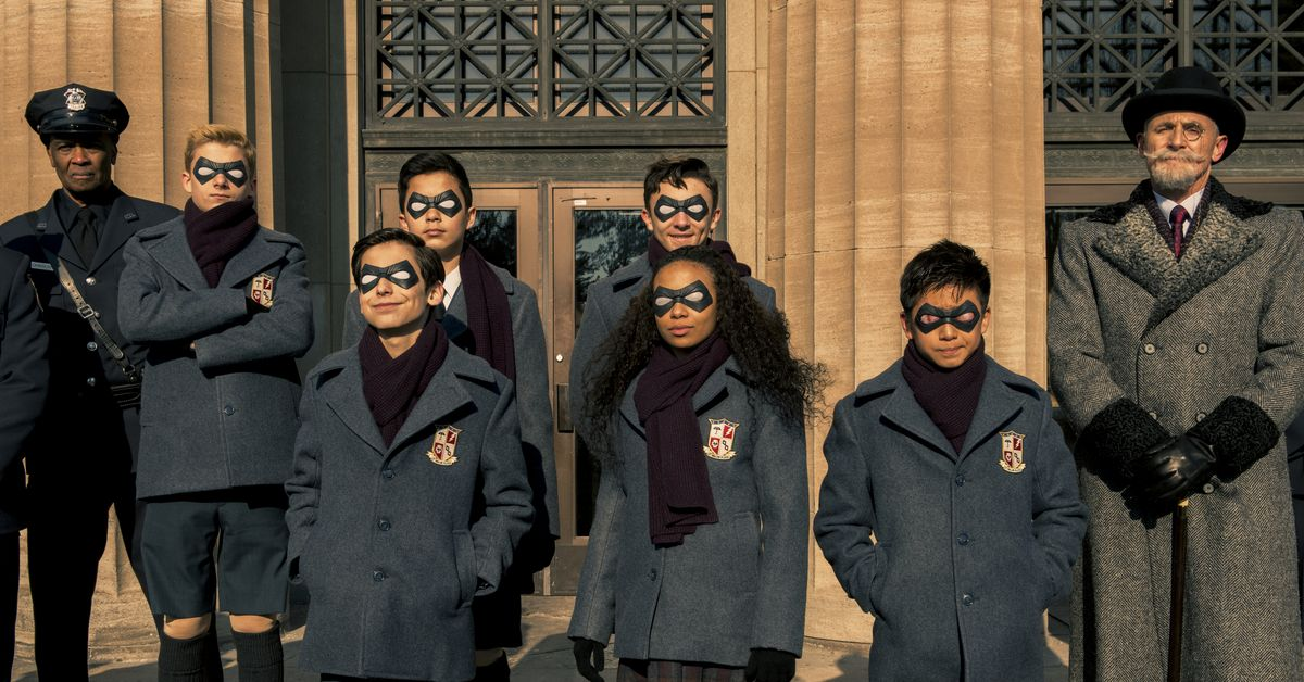 The new Umbrella Academy team includes a moving remote cube