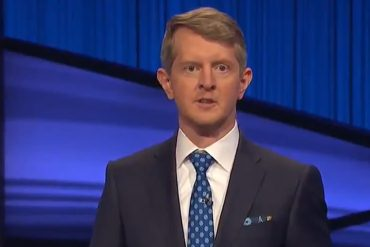 Ken Jennings pays tribute to Alex Trebeek as guest host for Episode One