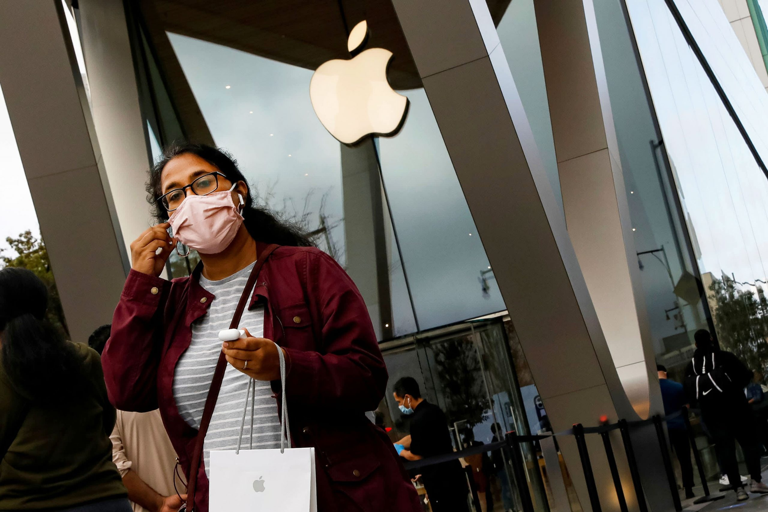 Apple App Store customers spent a record $ 540 million on New Year's Day