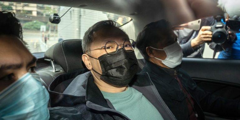 Hong Kong Police arrest dozens of opposition politicians for alleged sabotage