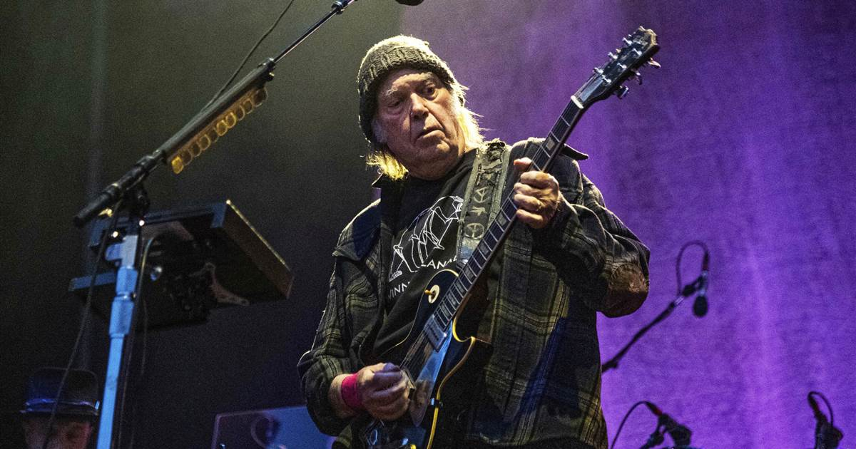 Neil Young sells 50 percent of the copyright in his entire song catalog to the investment fund