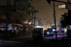 Power cuts plunge Pakistan into darkness
