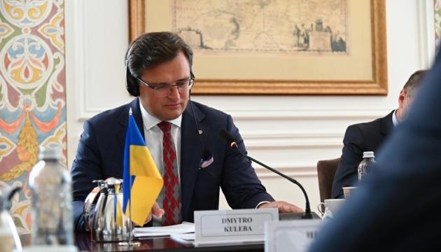 Міністри закордонних справ України та Франції обговорюють загострення ситуації з безпекою в Росії