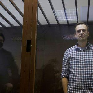 Навальний оголосив голодування до російської тюремної лікарні