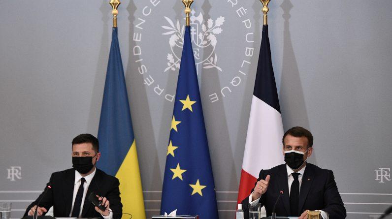 Плануючи поїздку до Парижа, українець Зеленський має багато здобути