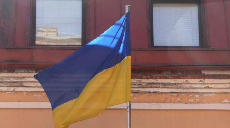 Україна та Росія вислали дипломатів на тлі посиленої напруженості