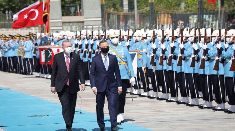 Коли відносини із Заходом погіршуються, Туреччина отримує порятунок від Польщі