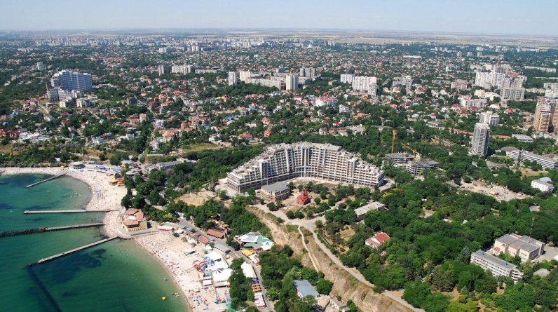 Азербайджан є однією з пріоритетних країн для в'їзного туризму в Україну