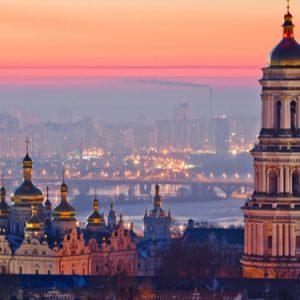 DLA Piper продає український бізнес Kinstellar на виході з країни