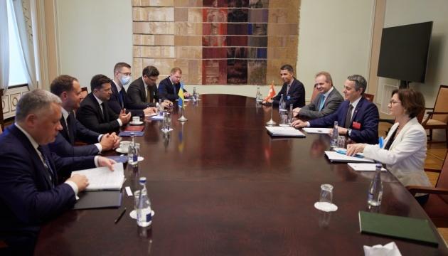 Зеленський, віце-президент Швейцарії, обговорює реформи в Україні