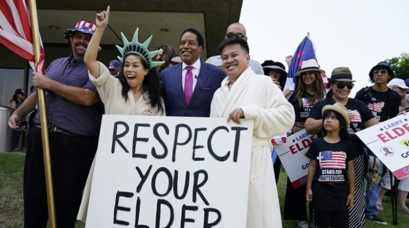 Консервативний радіоведучий Ларрі Елдер балотуватиметься за голосування за імпічмент в Каліфорнії