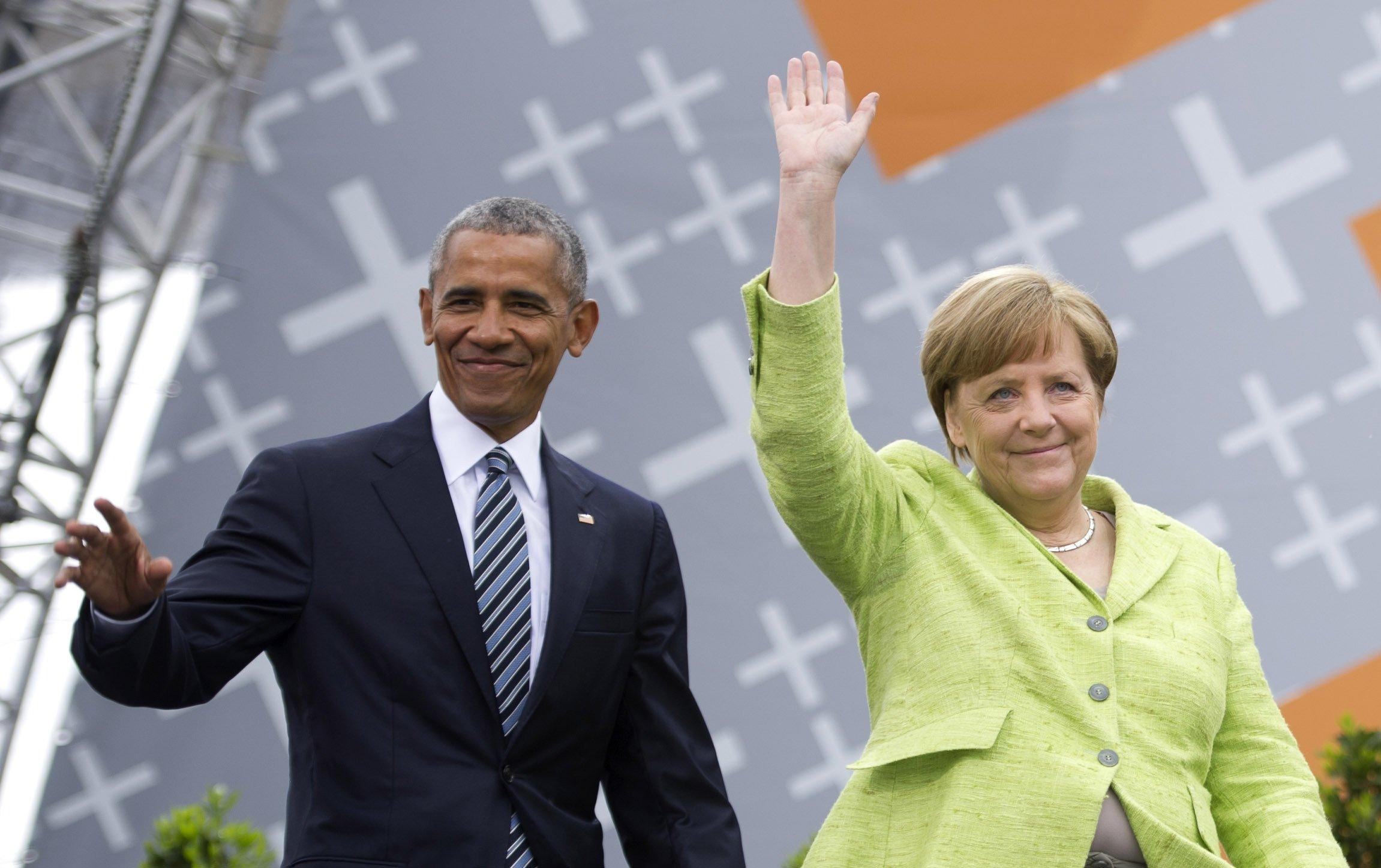 Канцлер Німеччини Ангела Меркель та колишній президент США Барак Обама приїжджають, щоб обговорити питання демократії в церкві конгресу в Берліні, Німеччина, 25 травня 2017 р. (Фото Getty Images)