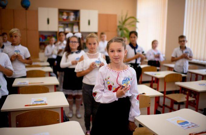 Тисячі школярів отримують вигоду від шкільних акцій в Одесі [EN/UK] - Україна