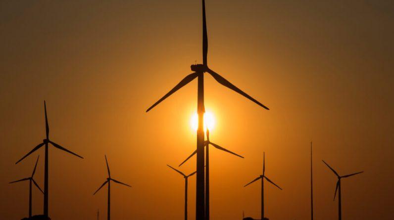Адміністрація Байдена має на меті зменшити витрати на сонячні та вітрові проекти на громадських землях