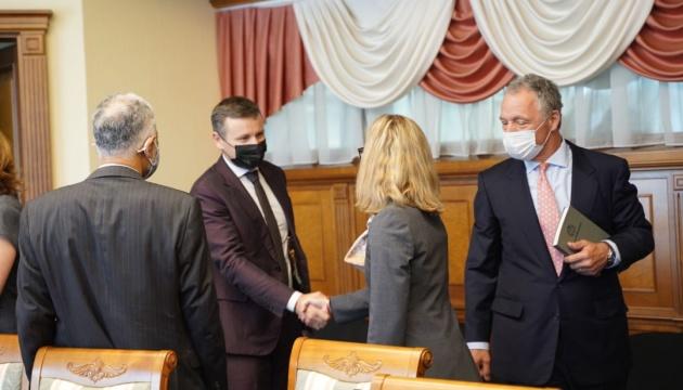 Україна очікує прибуття місії МВФ наступного тижня - Міністерство фінансів
